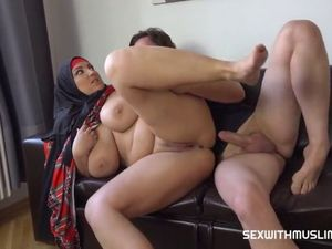 Virgin obese superslut with yam-sized..