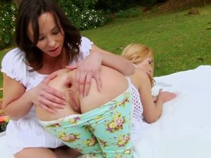 Alysa and Isabella Clark taking..